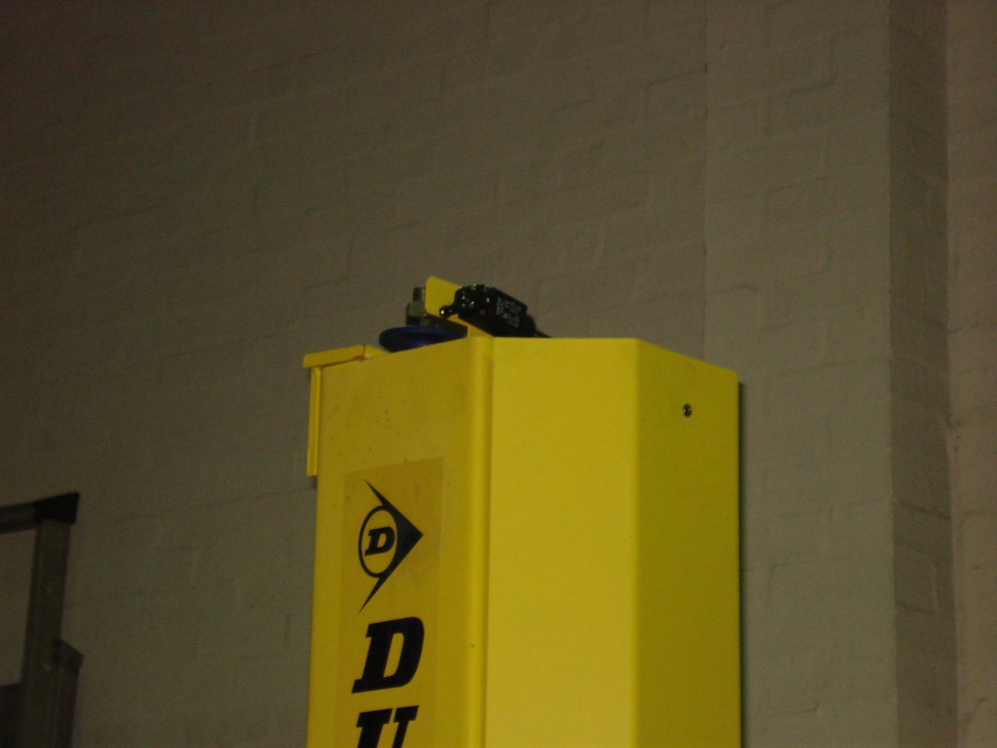 Подъемник автомобильный гидравлический с нижней связью 4т DL45
